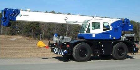 O Guindaste Autopropelido Tadano GR 300 EX é um equipamento para trabalhos em indústrias e diversos tipos de obra, com o diferencial de tração para acesso em terrenos com inclinação.